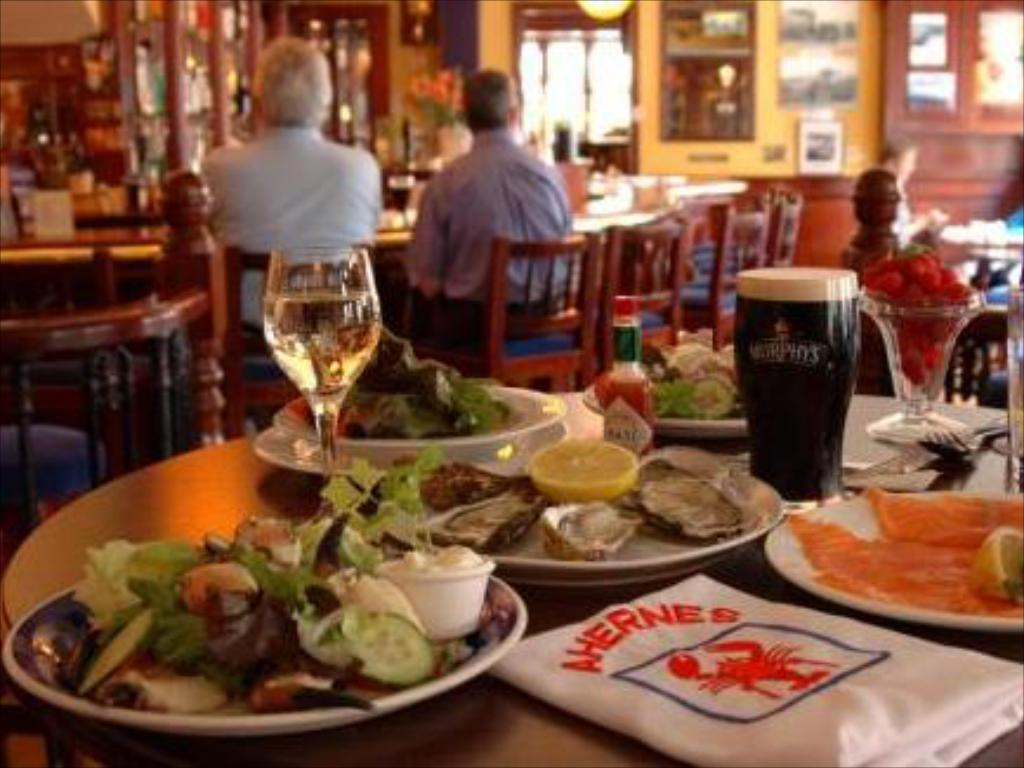 Seafood-Restaurant-In-City